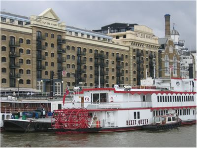 Picture Of Paddlesteamer