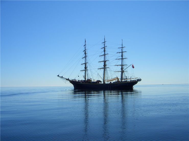 Picture Of Sailing Ship At Ocean