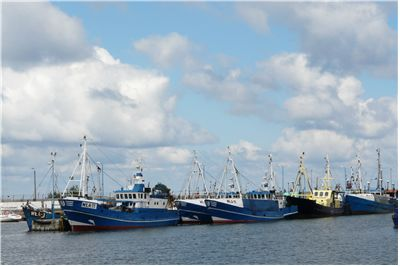 Picture Of Ships At Port